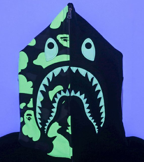 a-bathing-ape-glow-in-the-dark-collection-05[1]