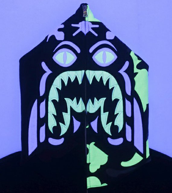 a-bathing-ape-glow-in-the-dark-collection-07[1]