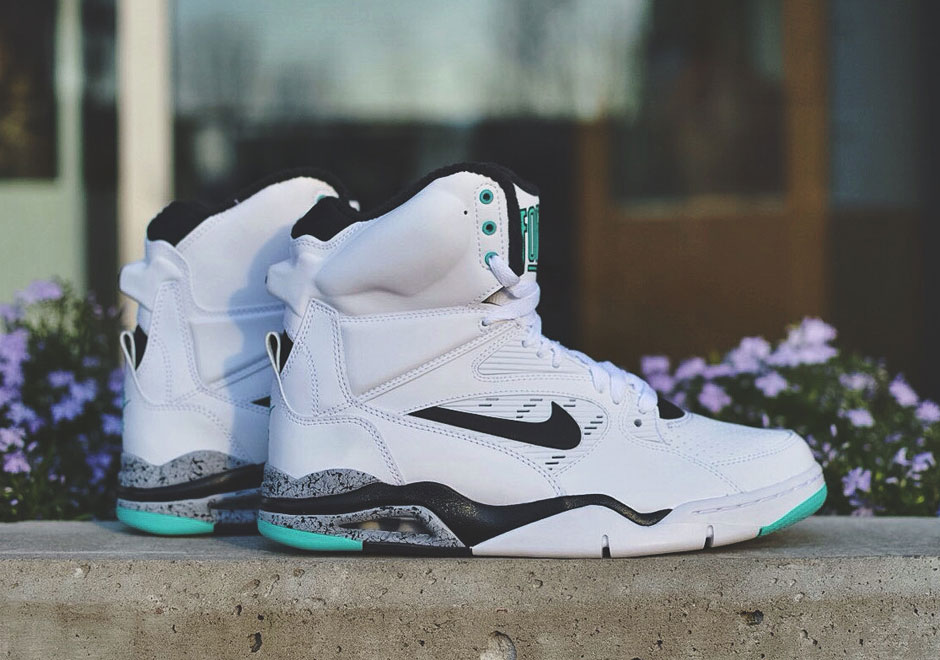 nike-air-commanf-force-white-black-hyper-jade-1