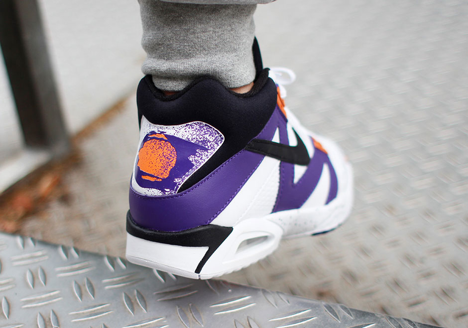 nike-air-tech-challenge-iii-og-returns-01