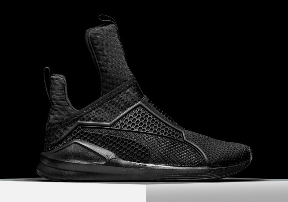 rihanna-puma-fenty-trainer-blackout-4
