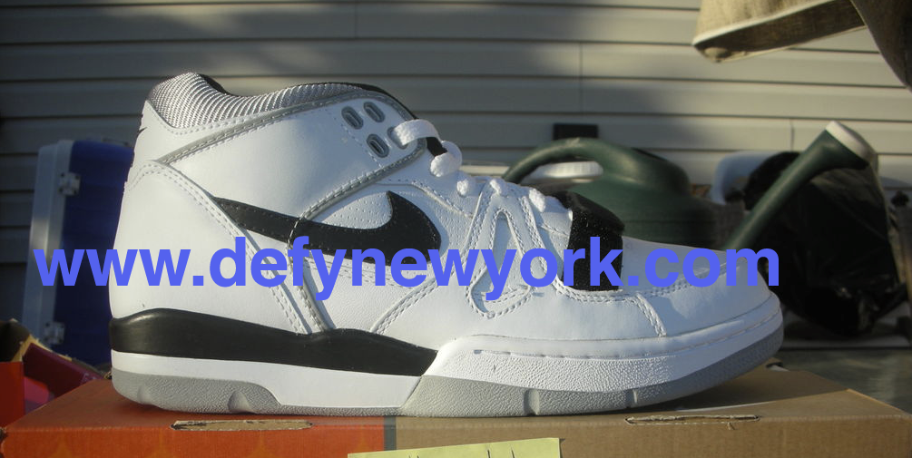 new concept 15232 b7a33 The quality on this retro is good and pairs are still affordable. Below are  pictures from the DeFY. New York Photo vault enjoy