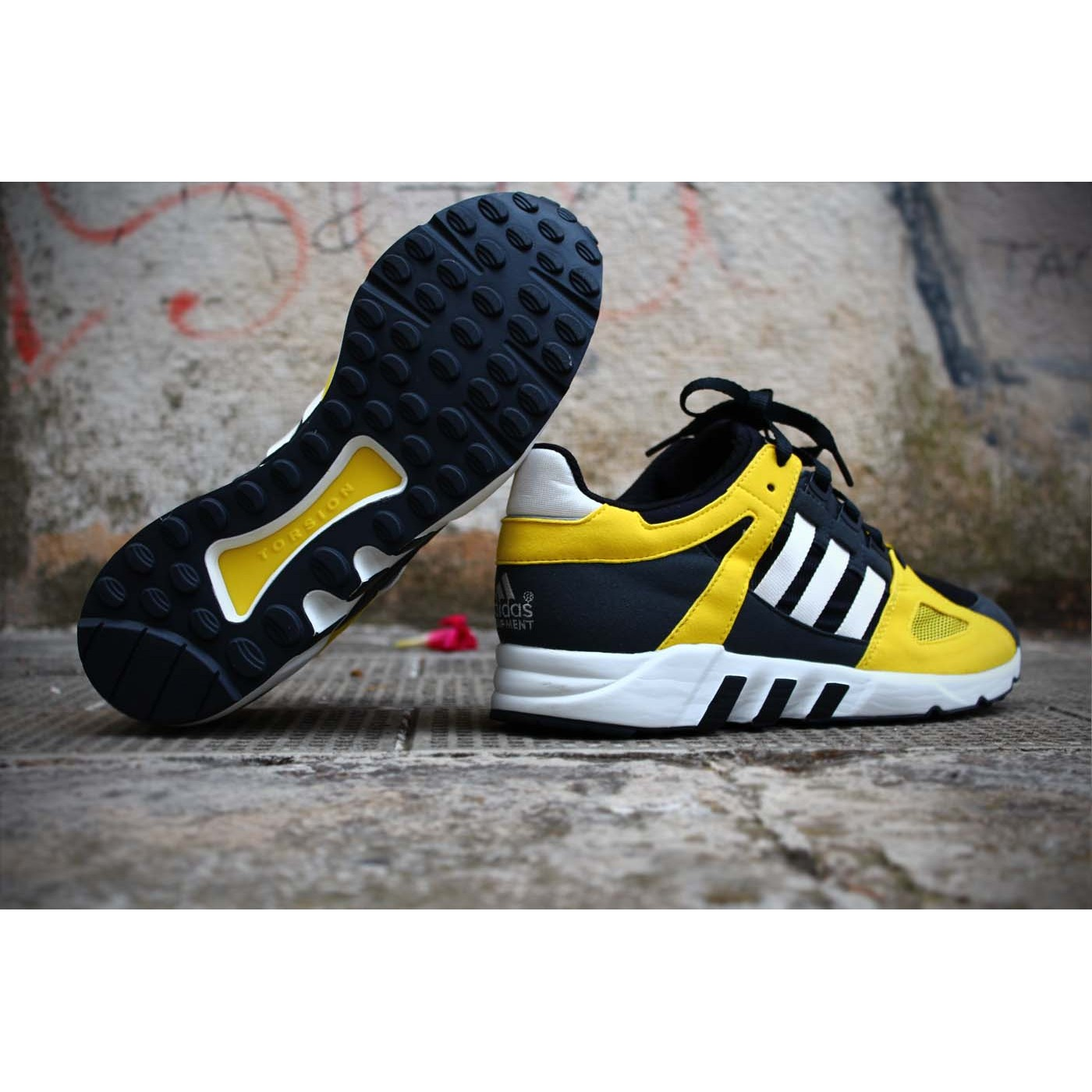 buy online c2c11 d7718 adidas-equipment-guidance-93-m25499-blackwhiteyellow677