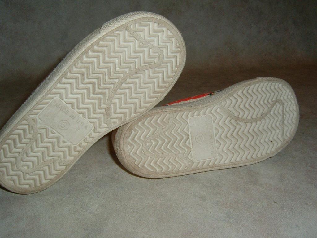 huggies sneakers 3