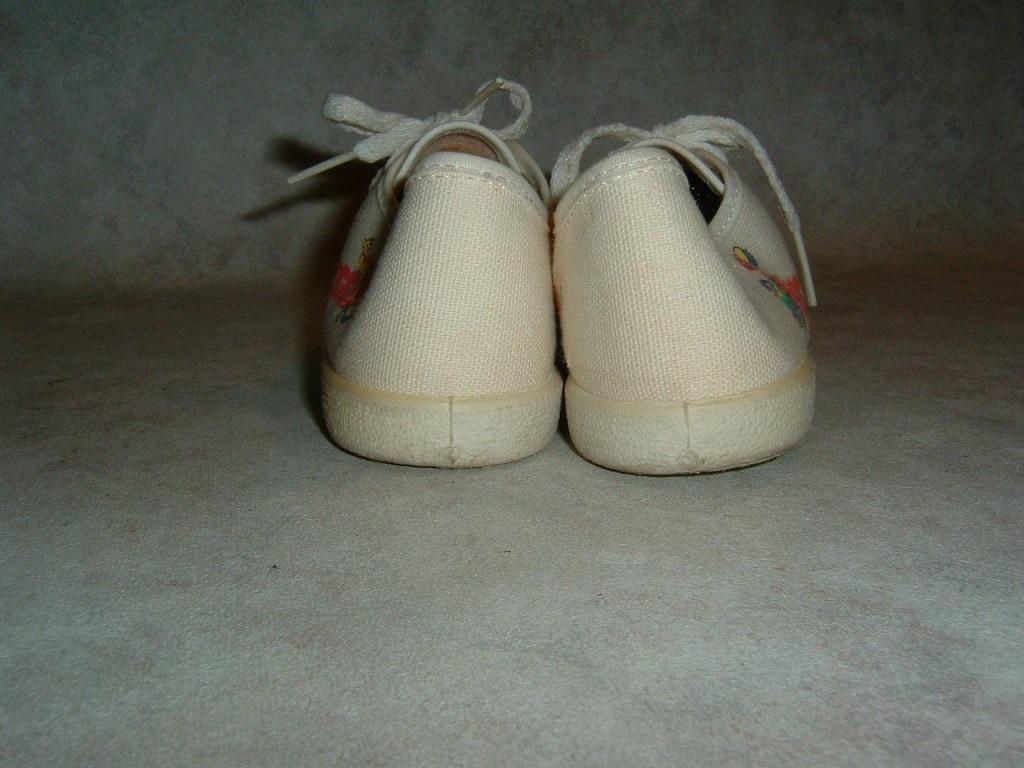 huggies sneakers 5