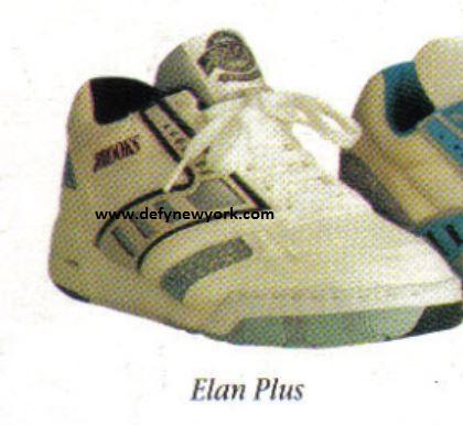 b6de3564f01 Sneakers (Brooks)