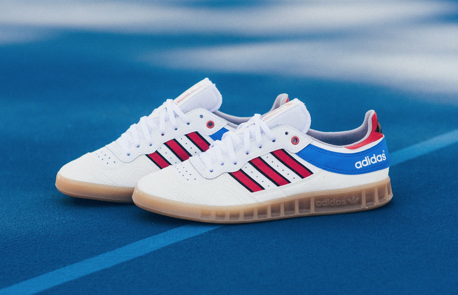Originally designed for handball, this late 80's classic came complete with  time specific materials and typical on point adidas craftsmanship.